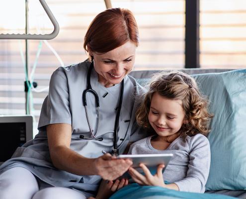 Ostertag DeTeWe Digitale Aufrüstung in Krankenhäusern Patientenentertainment Computerwoche Artikel